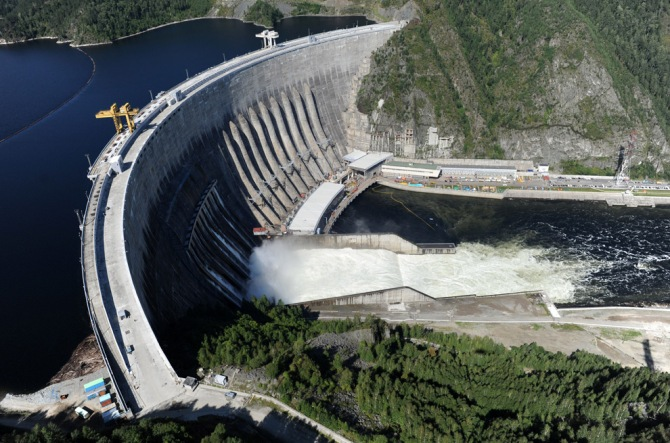 Usina Hidrelétrica Sayano-Shushenskaya na Russia